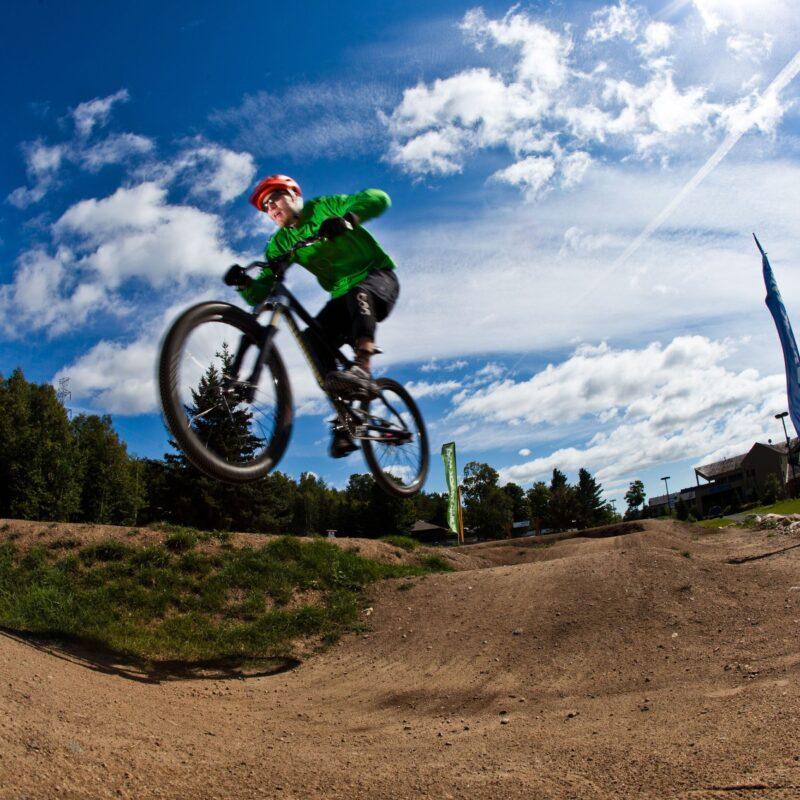 Rabais pour les amateurs de vélo de montagne!